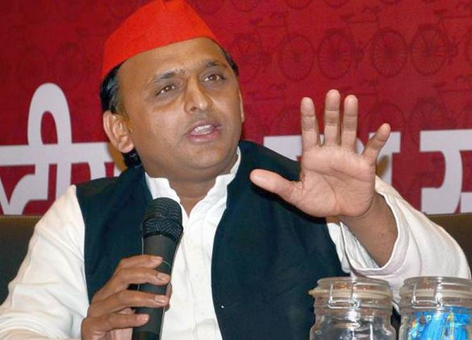 Akhilesh dissolves all party units in UP