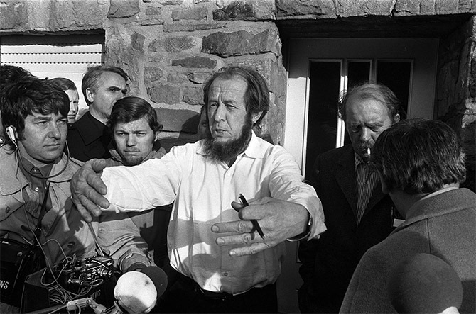 Aleksandr Solzhenitsyn with Heinrich Böll in Langenbroich, West Germany, 1974.  Photograph: Kind courtesy Wikipedia Commons