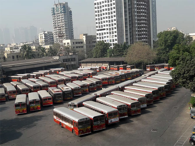 India News - Latest World & Political News - Current News Headlines in India - Mumbai: BEST bus strike enters 3rd day, commuters continue to suffer