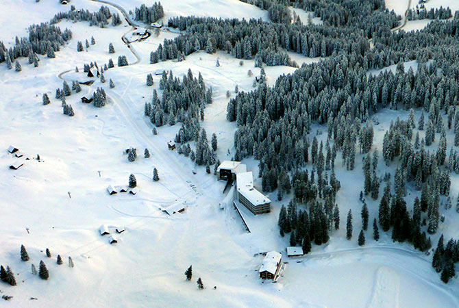 From Austria to Afghanistan, it's all snowed in! - Rediff