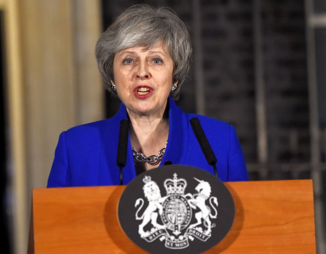 India News - Latest World & Political News - Current News Headlines in India - UK PM May narrowly survives no-confidence vote after Brexit defeat