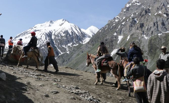 Amarnath Yatris told to go back asap in view of threat