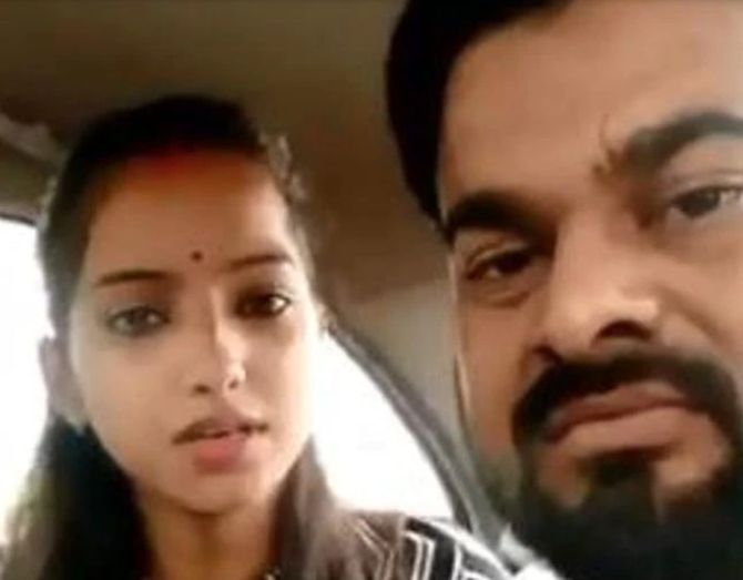 Sakshi Mishra, husband attacked outside court
