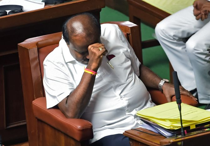 Trust vote: K'taka House adjourned, BJP MLAs stay put