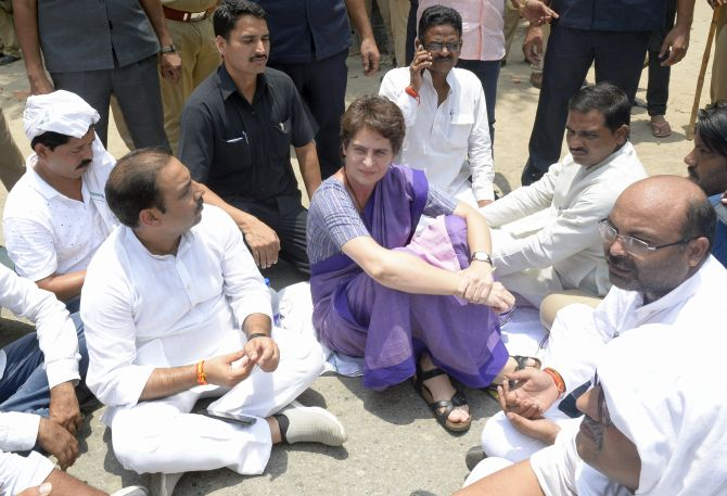 Priyanka stopped from going to Sonbhadra