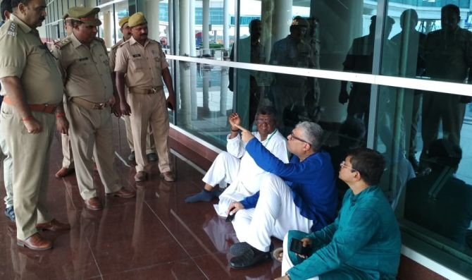 TMC team on way to meet Sonbhadra victims detained