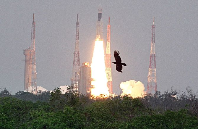 Chandrayaan 2: Congress credits Nehru, BJP hits back