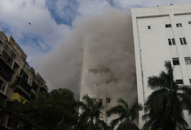 Mumbai: Fire breaks out in MTNL building; 84 rescued