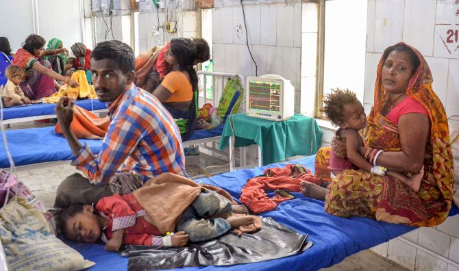 Children suffering from Acute Encephalitis Syndrome being treated at a hospital in Muzaffarpur. Photograph: PTI Photo