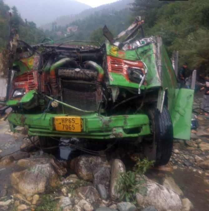44 dead, 34 hurt as bus falls in drain in HP