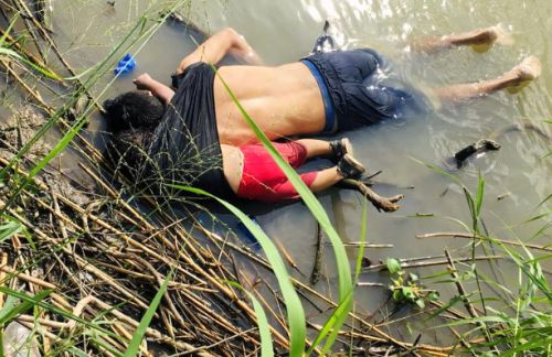 Photo of drowned migrants makes the world cry