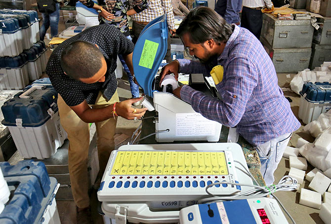 India News - Latest World & Political News - Current News Headlines in India - MUST READ: 'No possibility of any EVM being misused'