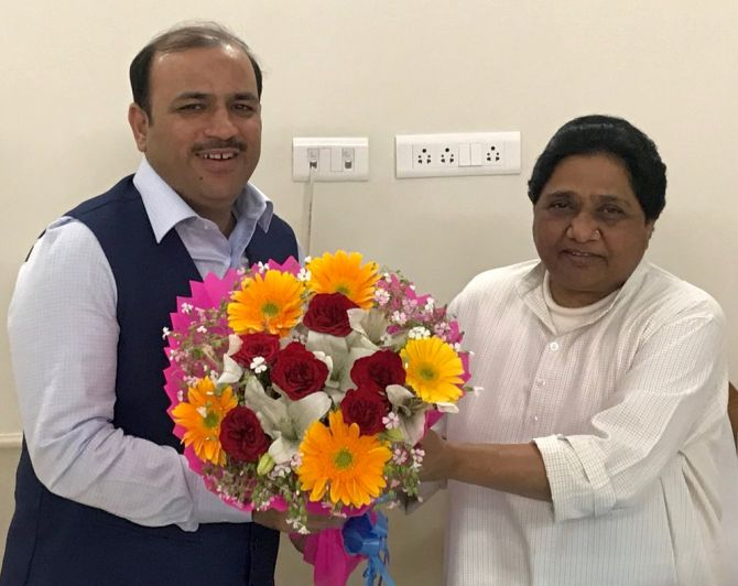 India News - Latest World & Political News - Current News Headlines in India - 'With Deve Gowda's blessings', JD-S leader Danish Ali joins BSP
