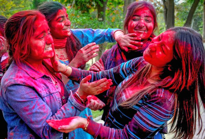 India News - Latest World & Political News - Current News Headlines in India - PHOTOS: The colours of Holi