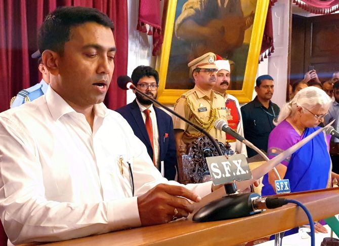 India News - Latest World & Political News - Current News Headlines in India - BJP's Pramod Sawant takes oath as Goa CM at 2 am