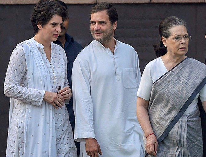 Gandhi family's SPG cover withdrawn; Cong protests