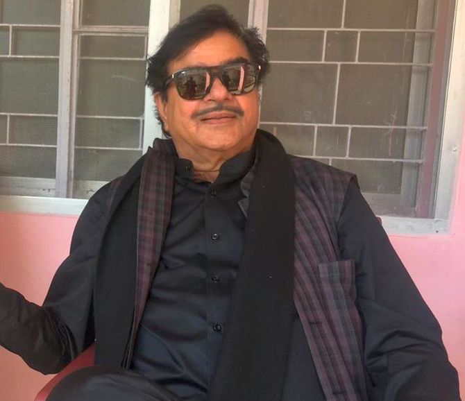 India News - Latest World & Political News - Current News Headlines in India - Shatrughan Sinha may contest LS poll on Congress ticket