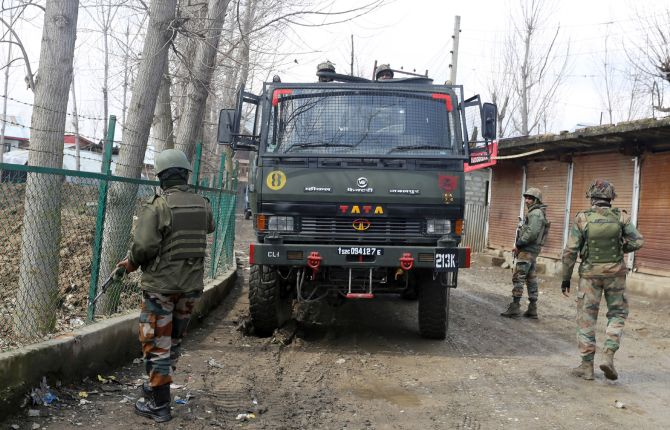 Terrorist killed in 1st encounter in post-370 Kashmir