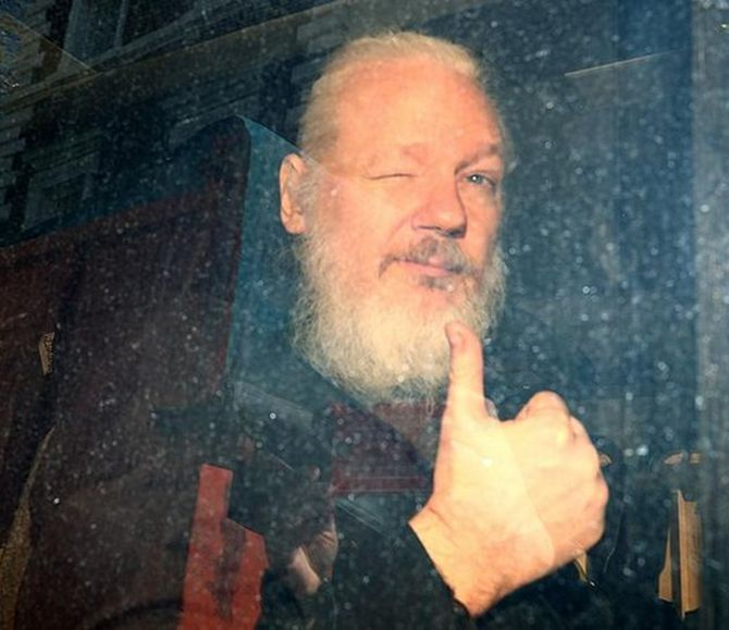 Swedish prosecutors drop rape probe against Assange