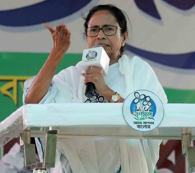 West Bengal chief minister Mamata Banerjee addresses a rally at Barjora, Bankura. Photograph: @AITCofficial/Twitter