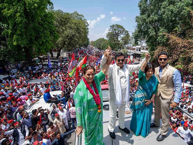 Shatrughan Sinha and Poonam Sinha in a road show in Lucknow