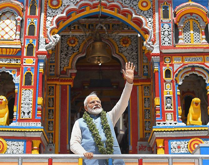 PM Modi offers prayers at Badrinath temple