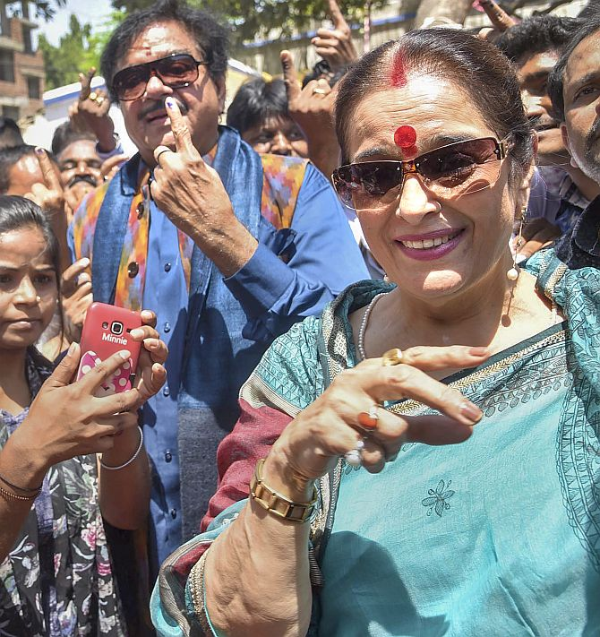 Shatrughan, Captain, Sumitra and more cast their votes