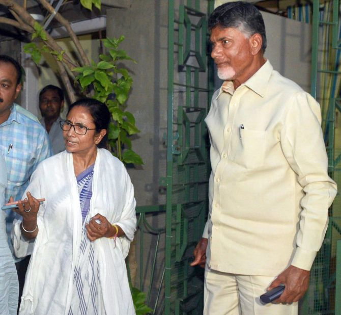 Naidu meets with Mamata on post-counting day move