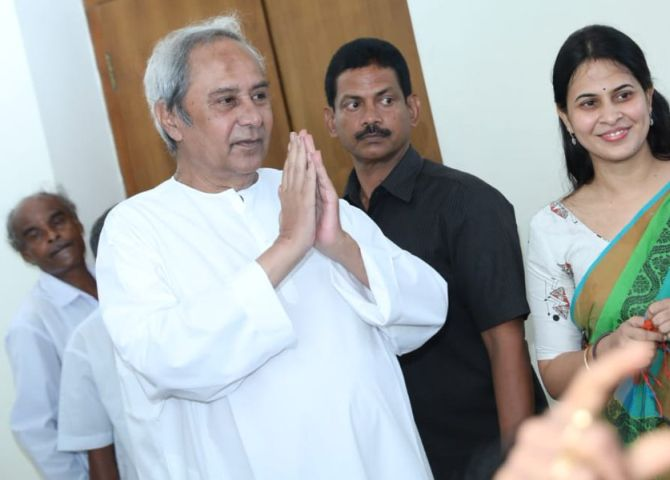 Odisha Guv invites Patnaik to form government