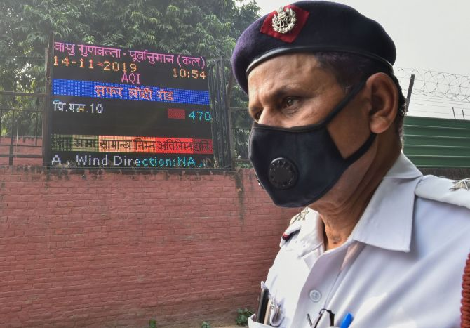 SC notice to Delhi govt on plea challenging odd-even