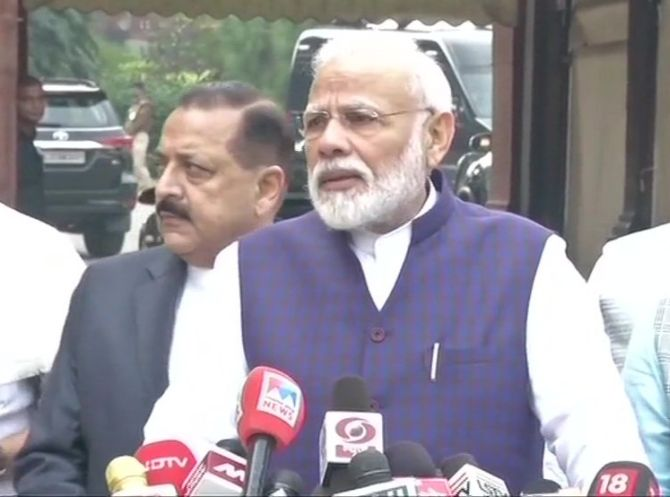 As Parl commences, PM says ready to discuss all issues