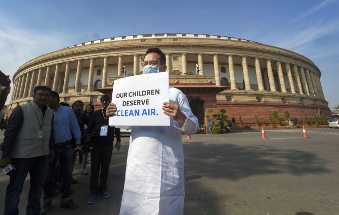 Pollution debate in Parl gets musical, witty