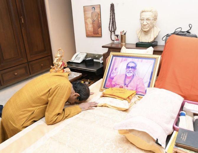 Never dreamt of leading Maha: Uddhav; thanks Sonia