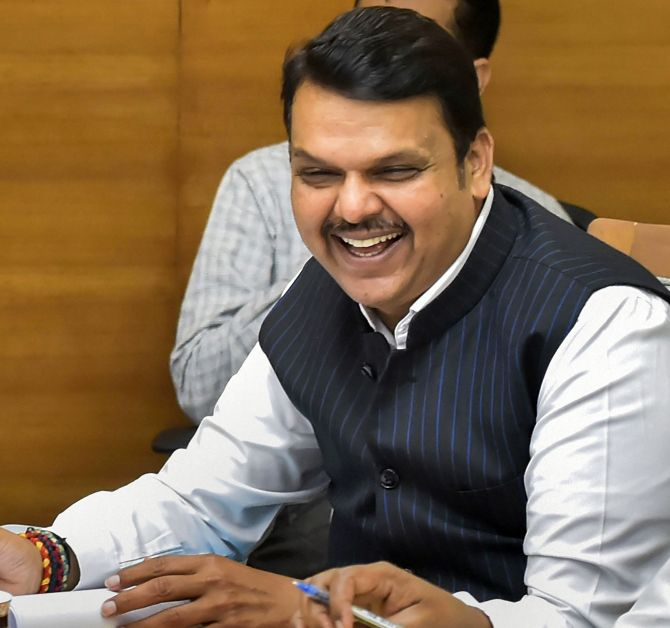 Fadnavis changes Twitter bio to 'Maharashtra's Sevak'