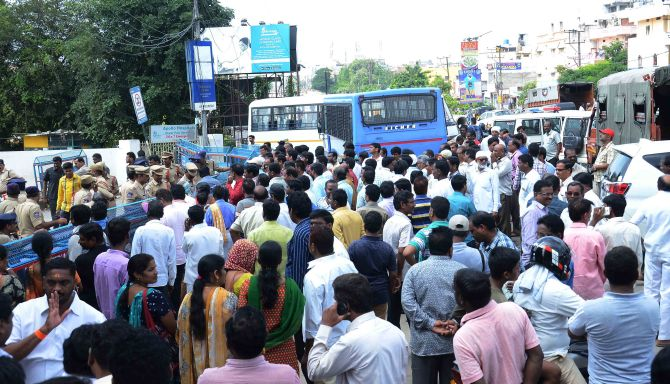 TSRTC driver succumbs to burns, strike enters 9th day