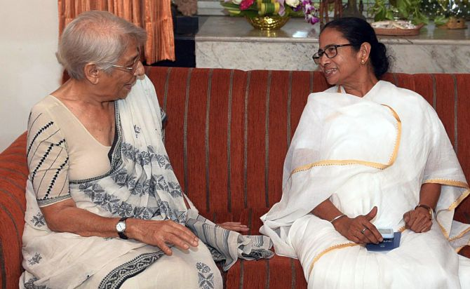Mamata meets Abhijit Banerjee's mother after Nobel win