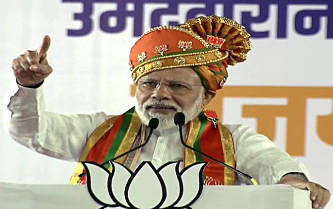 Modi slams Oppn for opposing Art 370 abrogation