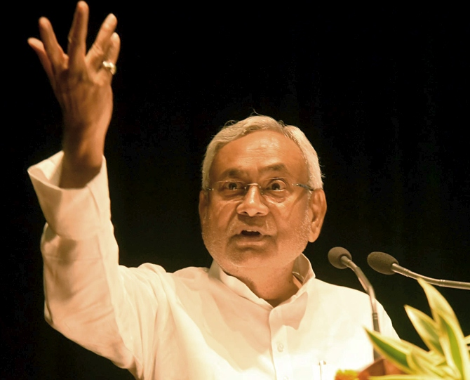 Nitish pitches for Delhi's full statehood