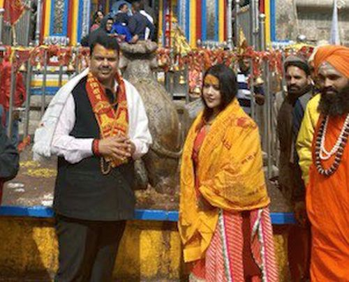 PHOTOS: Ahead of result, Fadnavis visits Kedarnath