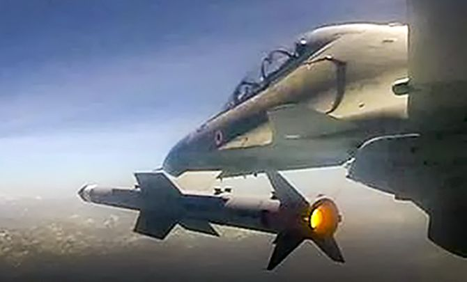 Air-to-air missile Astra test-fired from Sukhoi-30 MKI