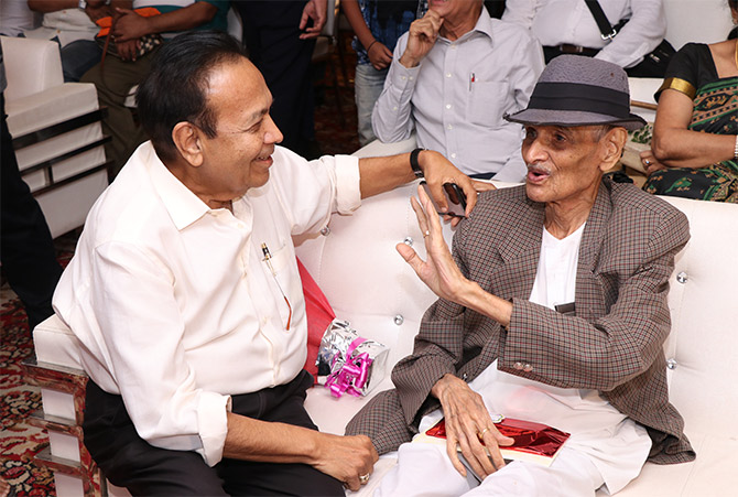 Dr Prakash Kothari with journalist and writer Kanti Bhatt. Photograph: Courtesy Sheela Bhatt.