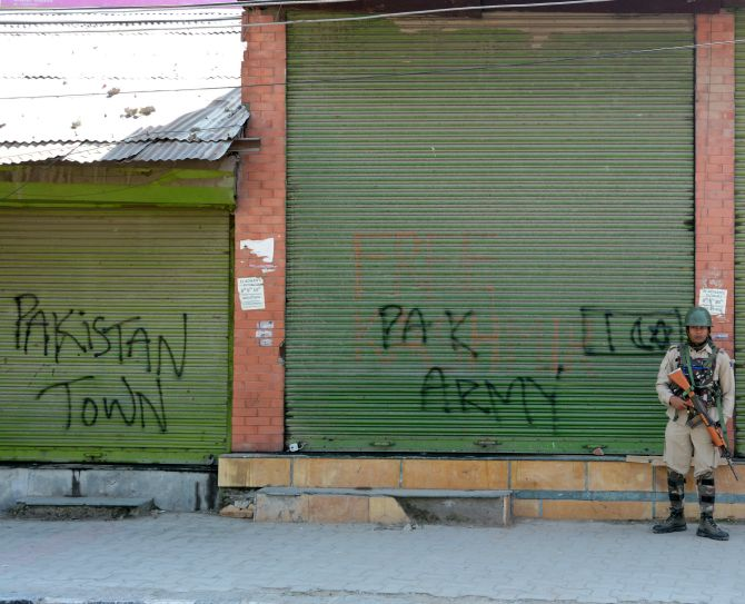 Day 46: Vandalism reported in Kashmir