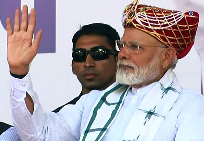 Embrace Kashmiris, says PM Modi at Nashik rally