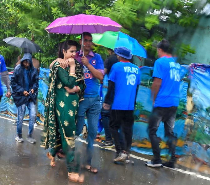 Mumbai rain 'red alert' forecast a damp squib