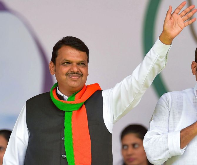 Fadnavis meets RSS chief as Maha impasse continues