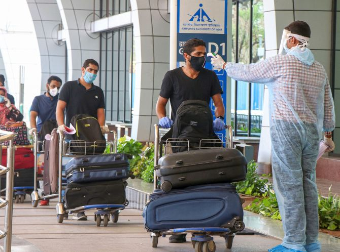 3 airports hike landing charges, push up ticket cost