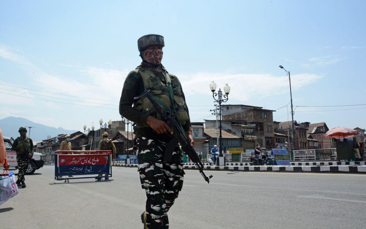 Top Lashkar commander arrested in J-K