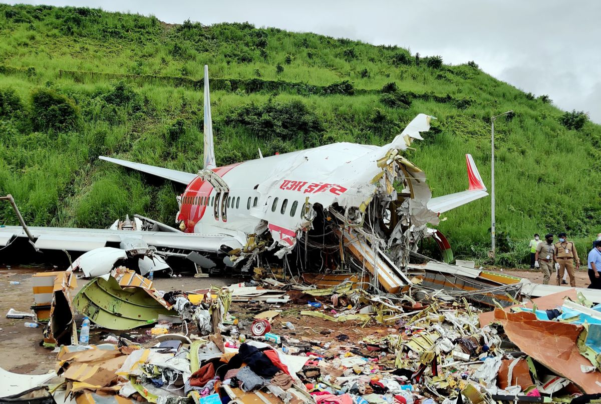 Govt to rope in ex-IAF officers to probe AIE crash