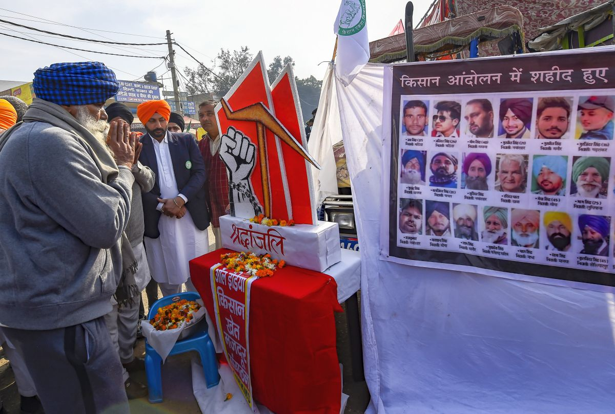 Sonakshi, Taapsee lash out at Akshay, Devgn