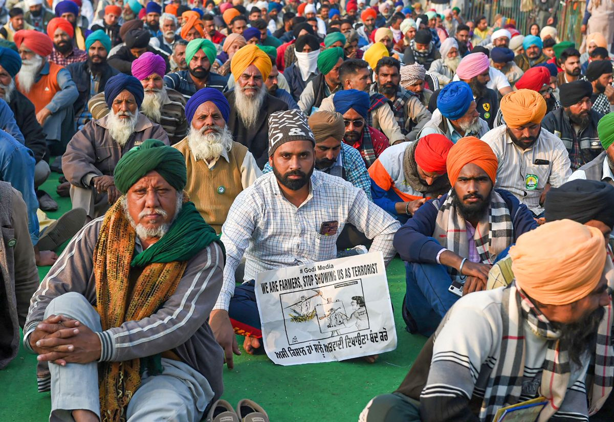 Farmers to march to Parliament on foot in May